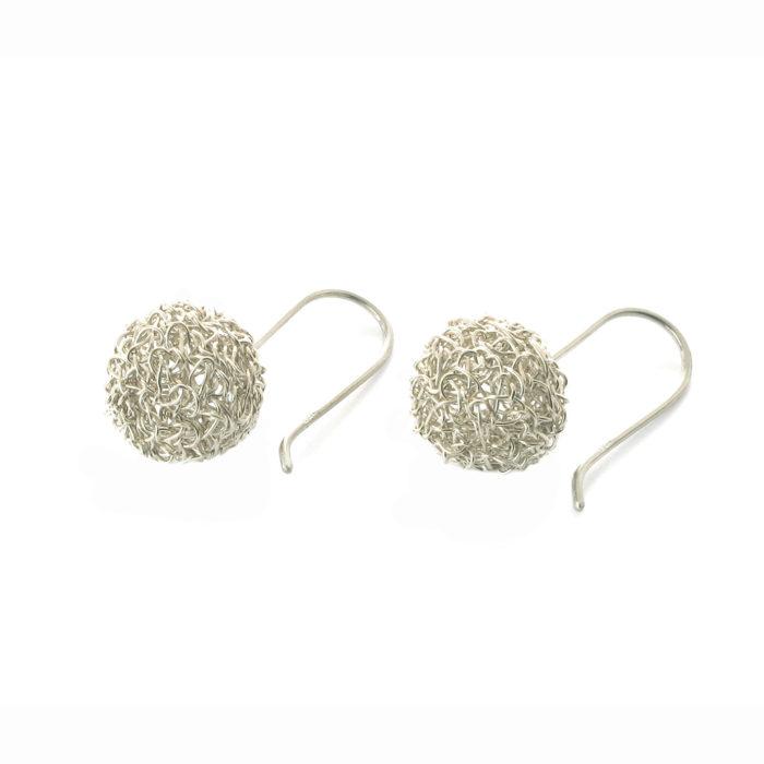 Boucles d'oreilles brodées, Bulles réalisées à la main au fil d'argent 950/000.