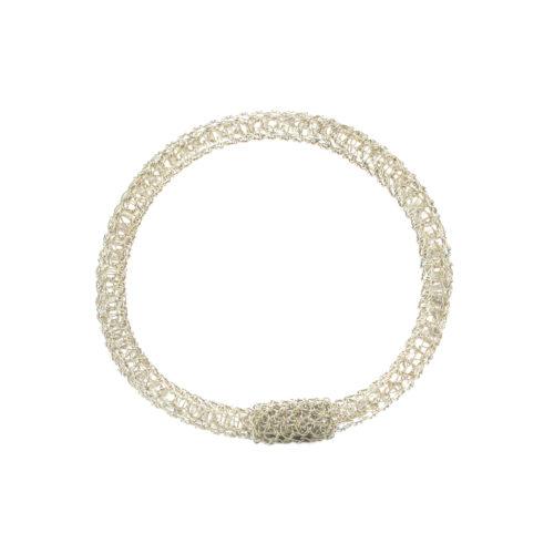 Bracelet brodé. Réalisé à la main au fil d'argent 950/000.